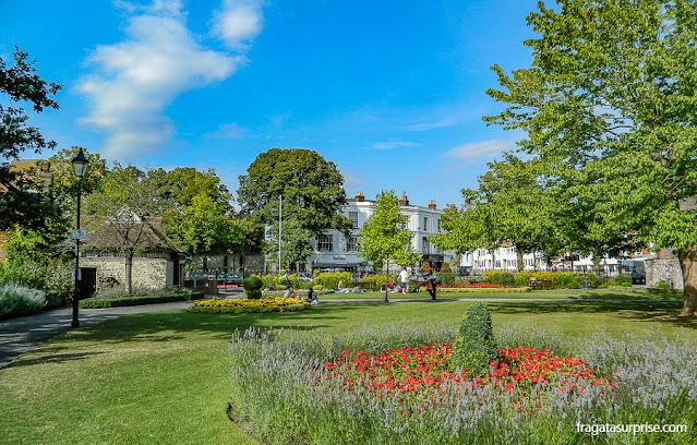Jardim da Abbey House, residência do prefeito de Winchester, Inglaterra