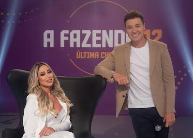 Carol Narizinho e Rodrigo Faro (dir.). Crédito: Antonio Chahestian/Record TV