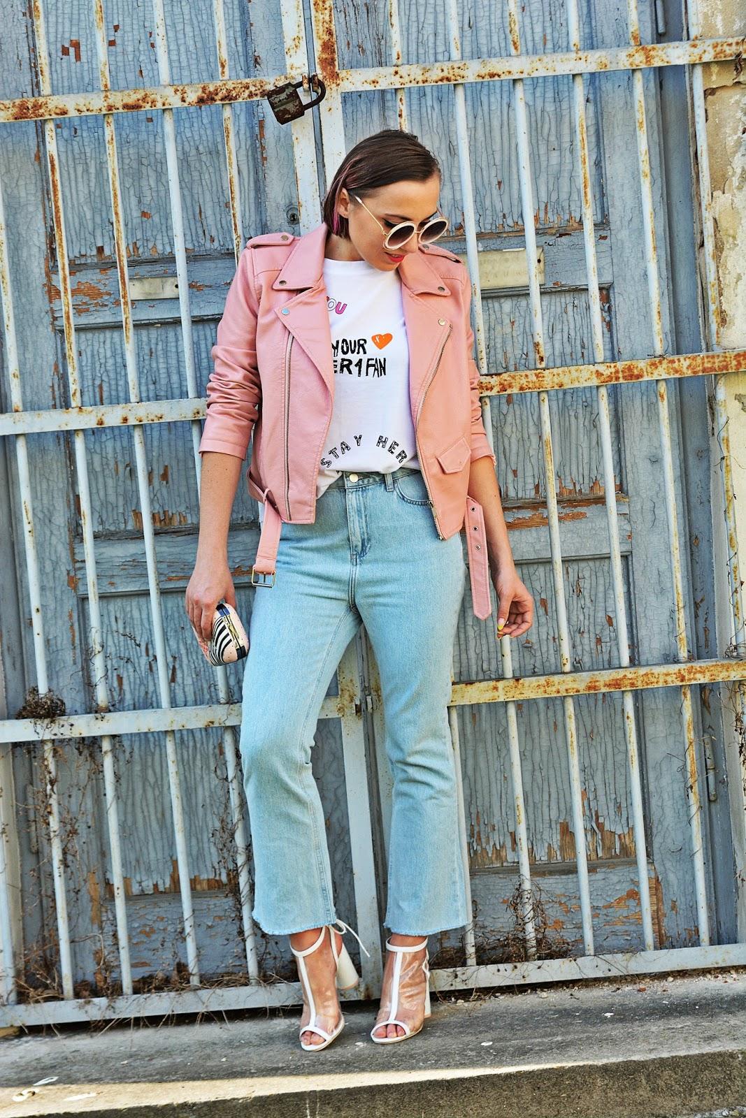 8_nakd_spodnie_jeansy_rozowa_ramoneska_przezroczyste_sandalki_renee_karyn_blog_modowy_220418