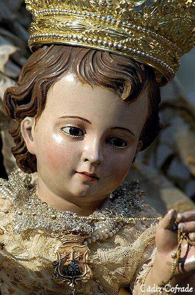 Hoy Procesión claustral del Niño de la Virgen del Carmen de Cádiz