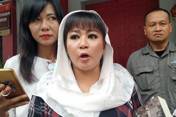 Sentil Marissa Haque, Dewi Tanjung: Emang Apa Hubungannya Omnibus Law dengan Surga?