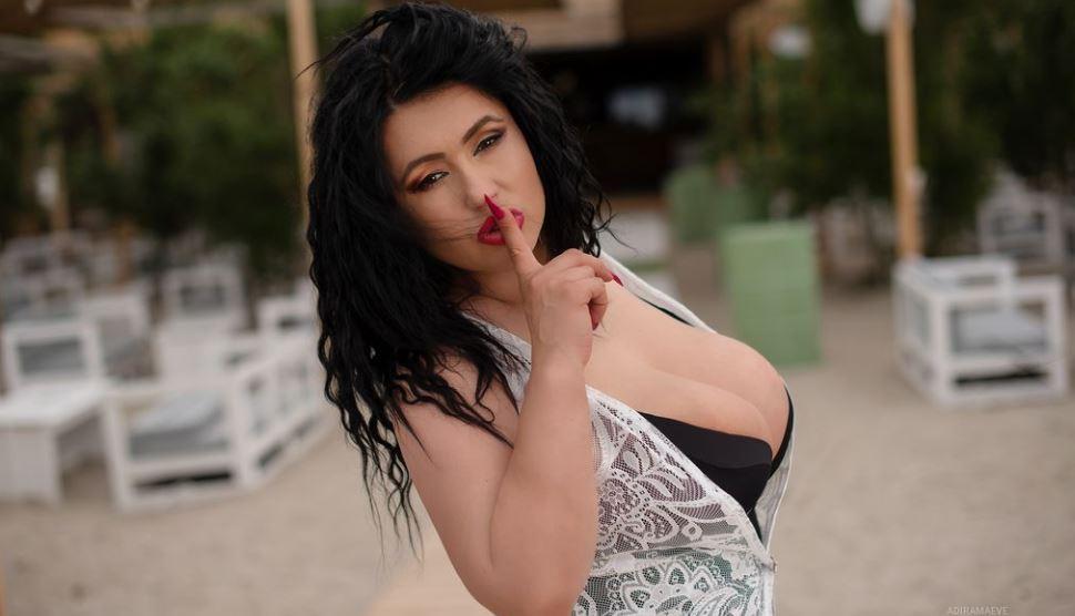 AdiraMaeve Model GlamourCams