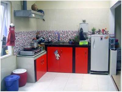 dapur sederhana sekali tapi rapi
