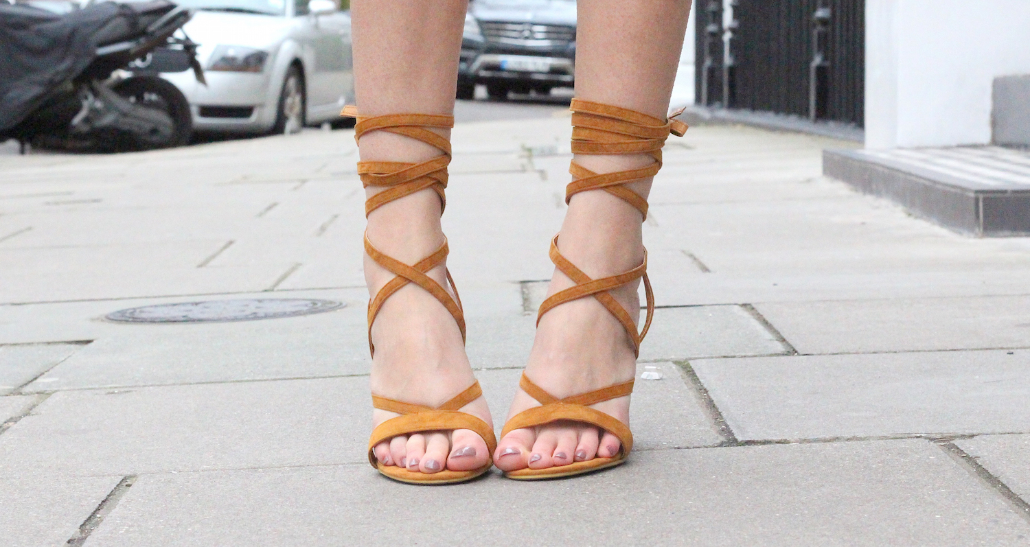 lace up sandals worn by peexo