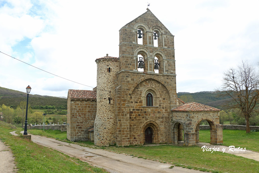 Fachada de San Salvador de Cantamuda