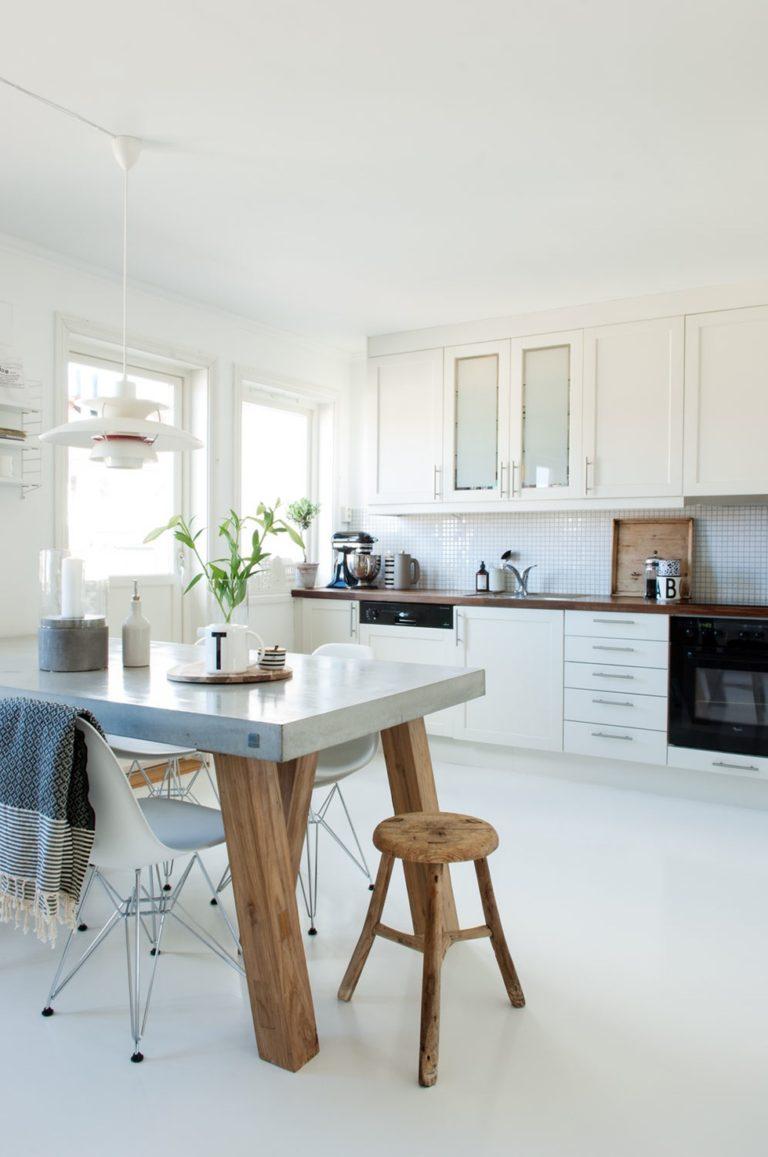 Casa no bonito estilo n rdico simples e descontra do for Mesas estilo nordico baratas