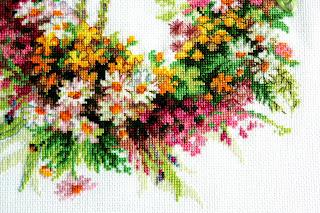 полевые цветы вышивка