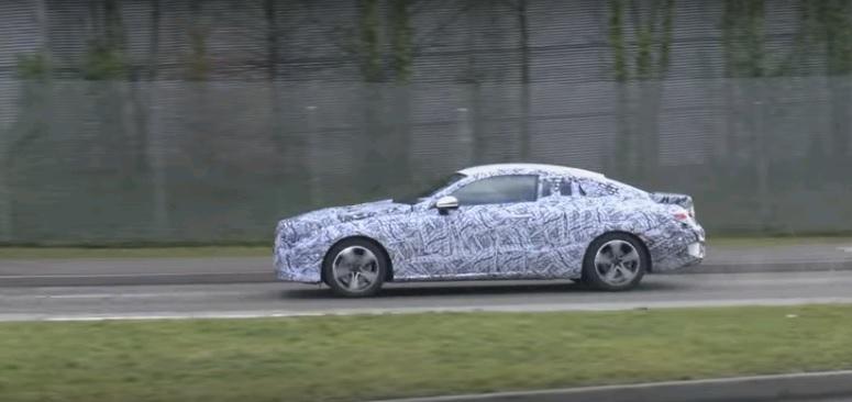E-Class Coupe sẽ là chiếc Coupe hàng HOT trong năm 2017