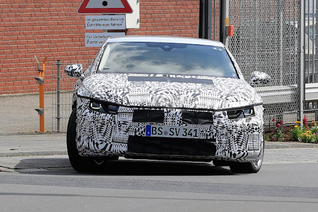 2017 Volkswagen CC coupe spotted new design front spy shoot