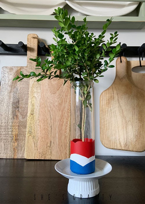 How to make a dip painted red, white and blue vase for Summer.