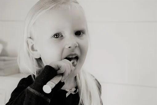 علاج تسوس اسنان الاطفال اللبنية .