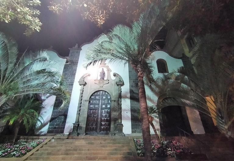 lugares-imprescindibles-santa-cruz-parroquia-san-francisco-asis