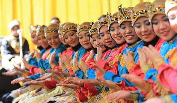Tari Saman Indonesia