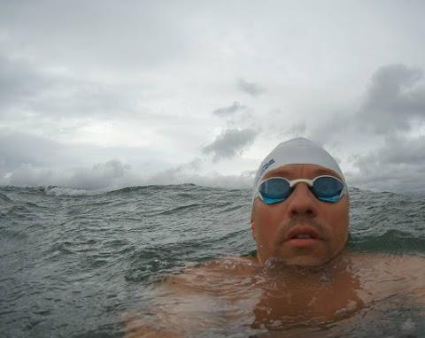 Mányoki Attila átúszta az Északi-csatornát, világrekorddal zárta az Ocean's Seven sorozatot