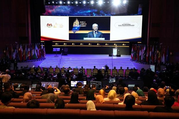 Mahathir: Asing Ingin Negara-negara Muslim Saling Berkelahi