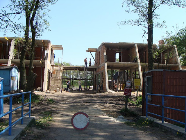 Piastowskie grodzisko w Grzybowie - budynek muzealny w budowie