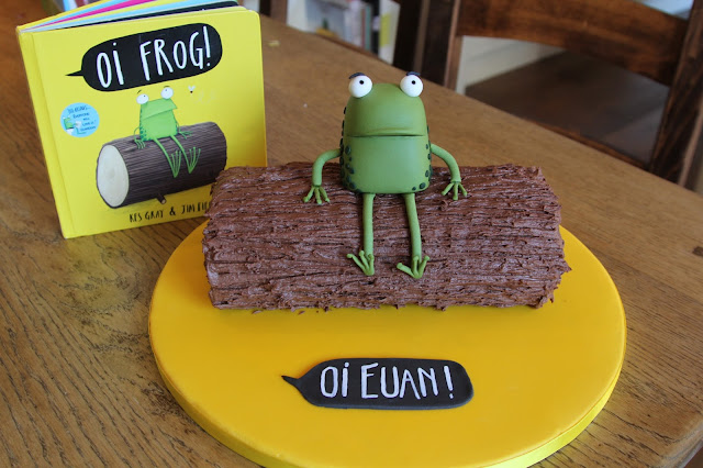Oi frog birthday cake
