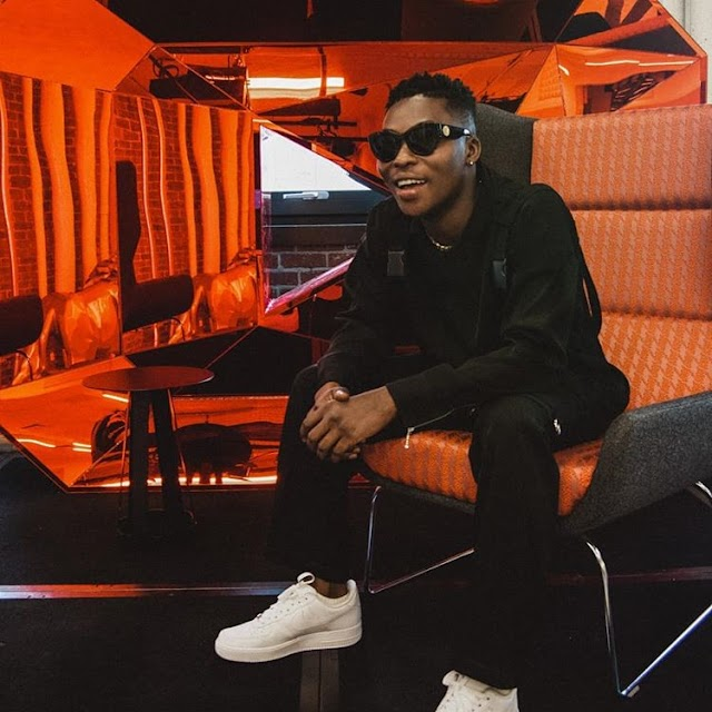 Ex Mavin singer, Reekado Banks drops elder brother, Temi Solomon, as his manager