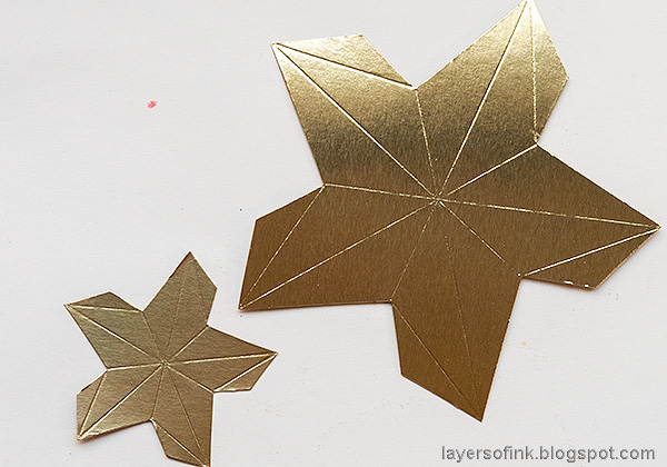 Layers of ink - Star Panel Tutorial by Anna-Karin Evaldsson. Die cut Tim Holtz Star Bright from gold paper.