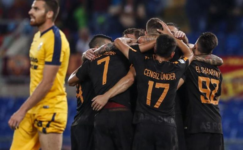 AS Roma Tetap Semangat Walaupun Cuaca Memburuk Saat Pertandingan!
