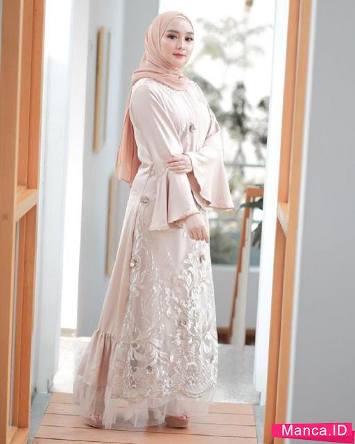 Dress Cantik Berwarna Lembut