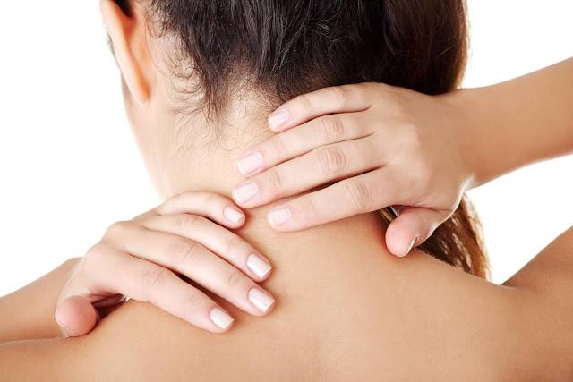 طبيعية لعلاج الصداع بالأعشاب neck-massage-headaches.jpg
