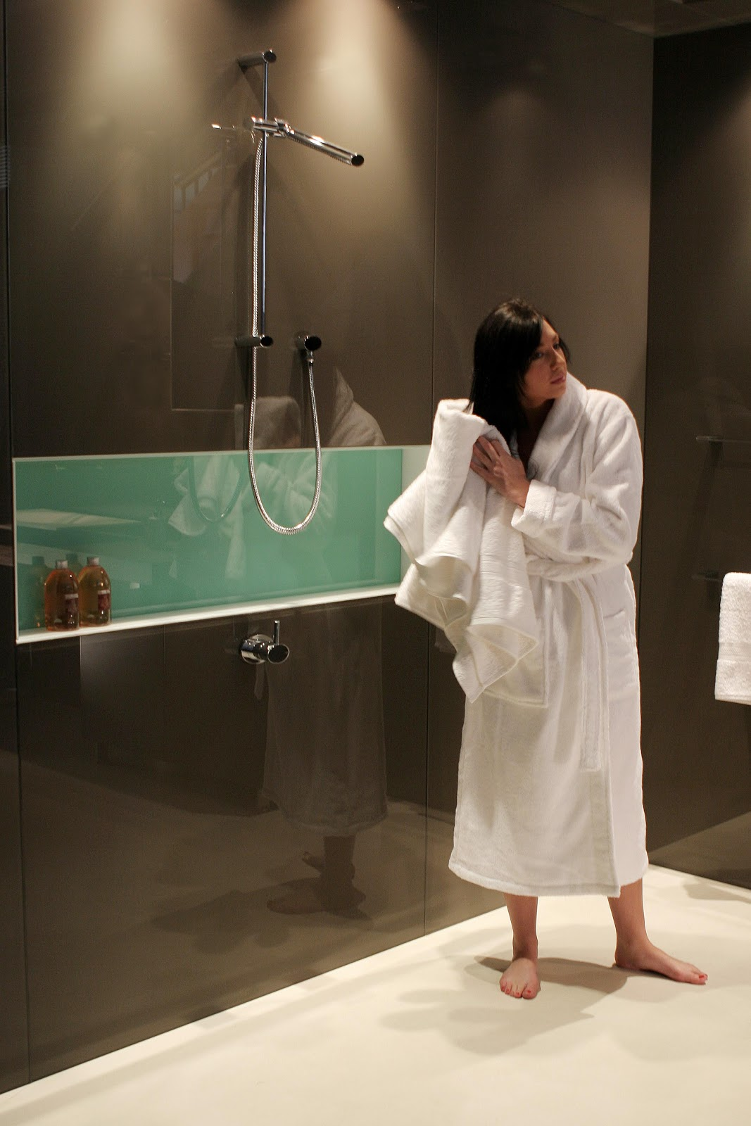 Minosa A Real Showstopper Modern Bathroom: Minosa: Minosa Collaborates With Deco Glaze To Complete