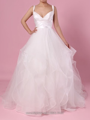 http://www.millybridal.org/ball-gown-v-neck-organza-tulle-floor-length-cascading-ruffles-wedding-dresses-milly00023407-16321.html?utm_source=minipost&utm_medium=Milly0022&utm_campaign=blog