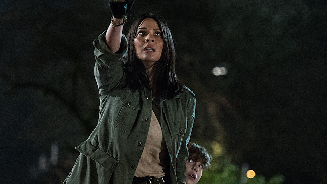 Olivia Munn Shane Black | The Predator