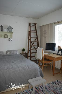 Makuuhuone ennen remontointia