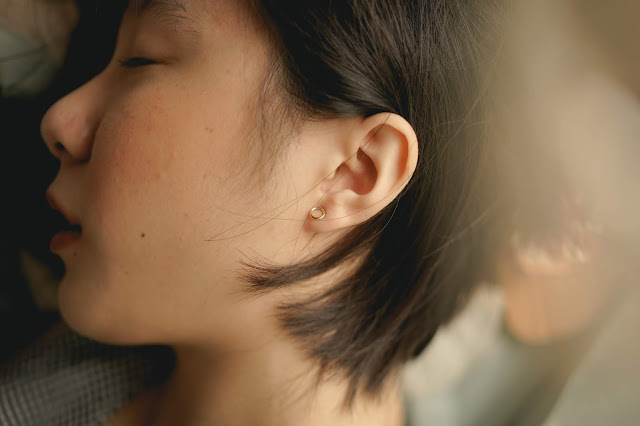 How to get water out of your ear?