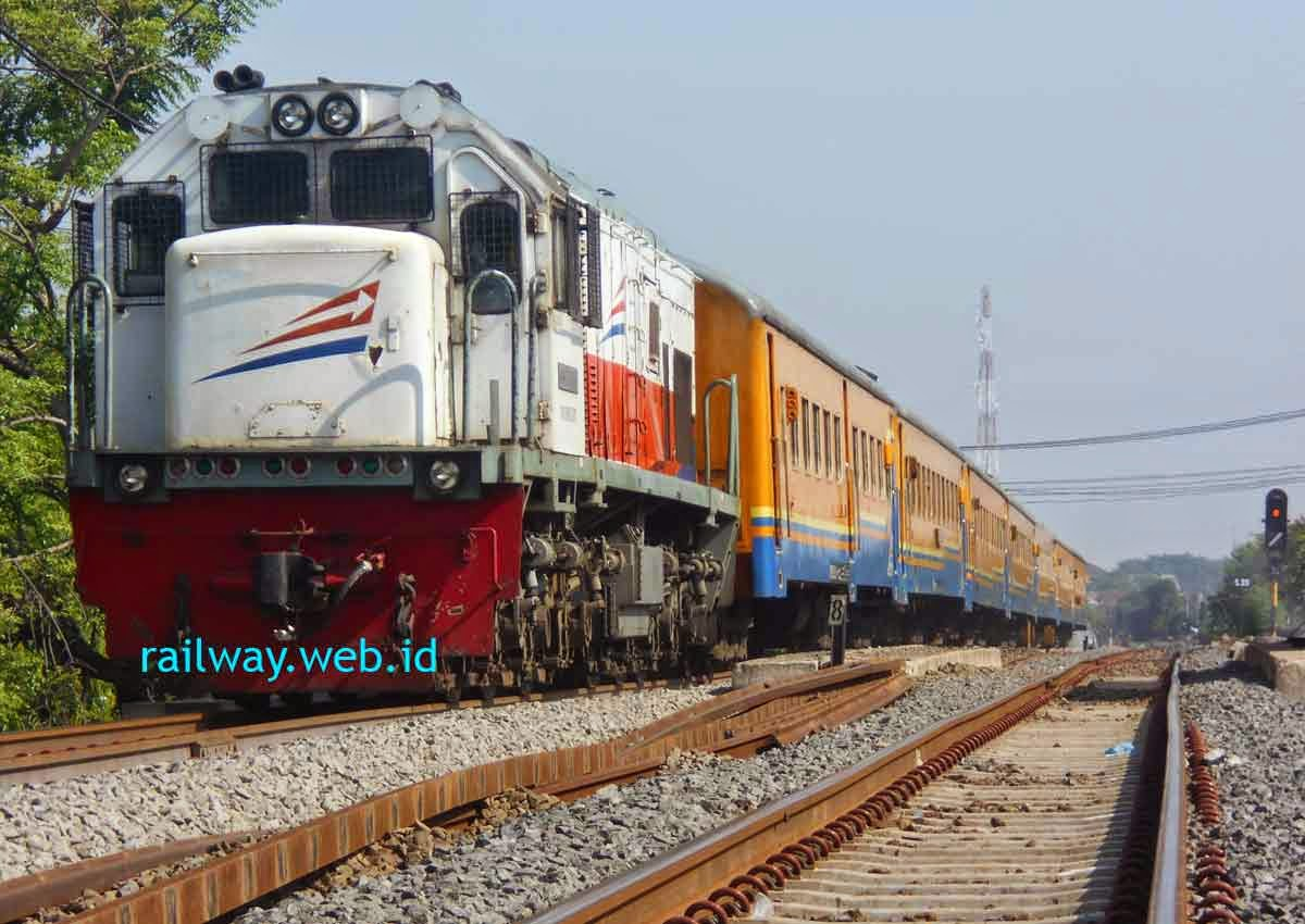 Harga Tiket Kereta Api Ekonomi Turun Per 1 Maret 2015
