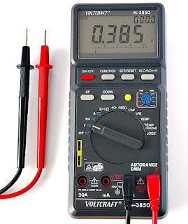 Multimeter atau multitester adalah alat pengukur listrik yang sering dikenal sebagai VOM  Multimeter: Cara kerja, Jenis, Cara Menggunakan