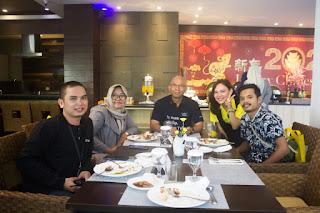 makan siang dengan media serta General Manager golden tulip balikpapan