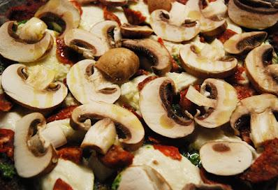 Pizza à la pâte aux betteraves