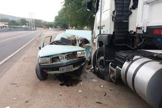 Veículo se envolve em acidente