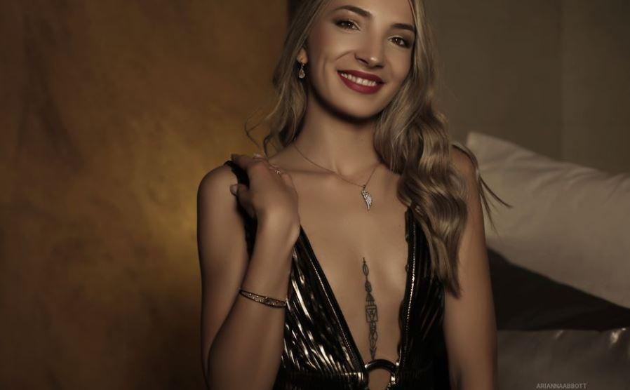 https://www.glamourcams.live/chat/AriannaAbbott