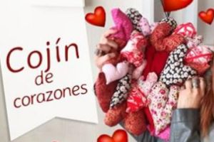 http://www.nucaxa.com/2017/02/cojin-de-corazones-de-tela.html