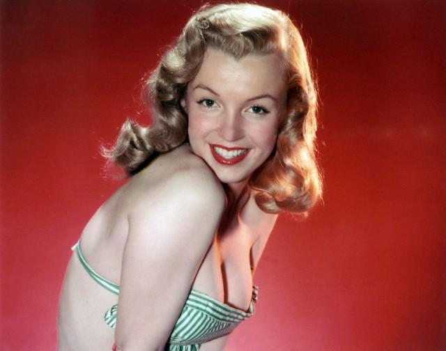 Marilyn Monroe movieloversreviews.filminspector.com