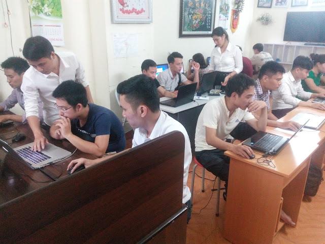khai giảng khóa học lập trình web