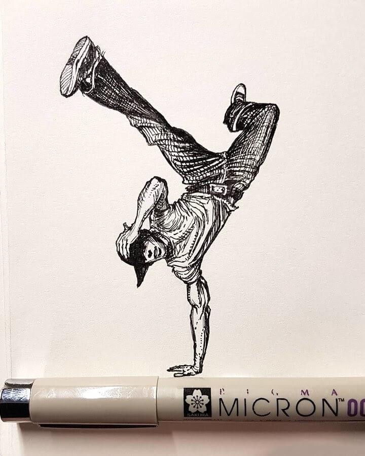 08-Handstand-Russo-www-designstack-co
