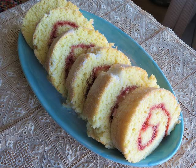 Mary Berry's Swiss Roll