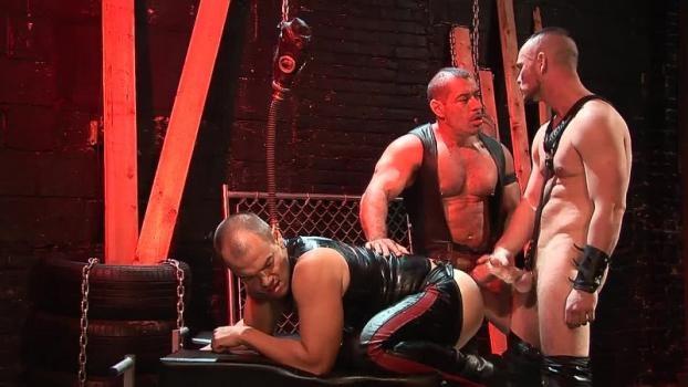Owen Hawk, Jesse Balboa, Lord Krshna – Shock and Awe Cum Pain (Bareback)
