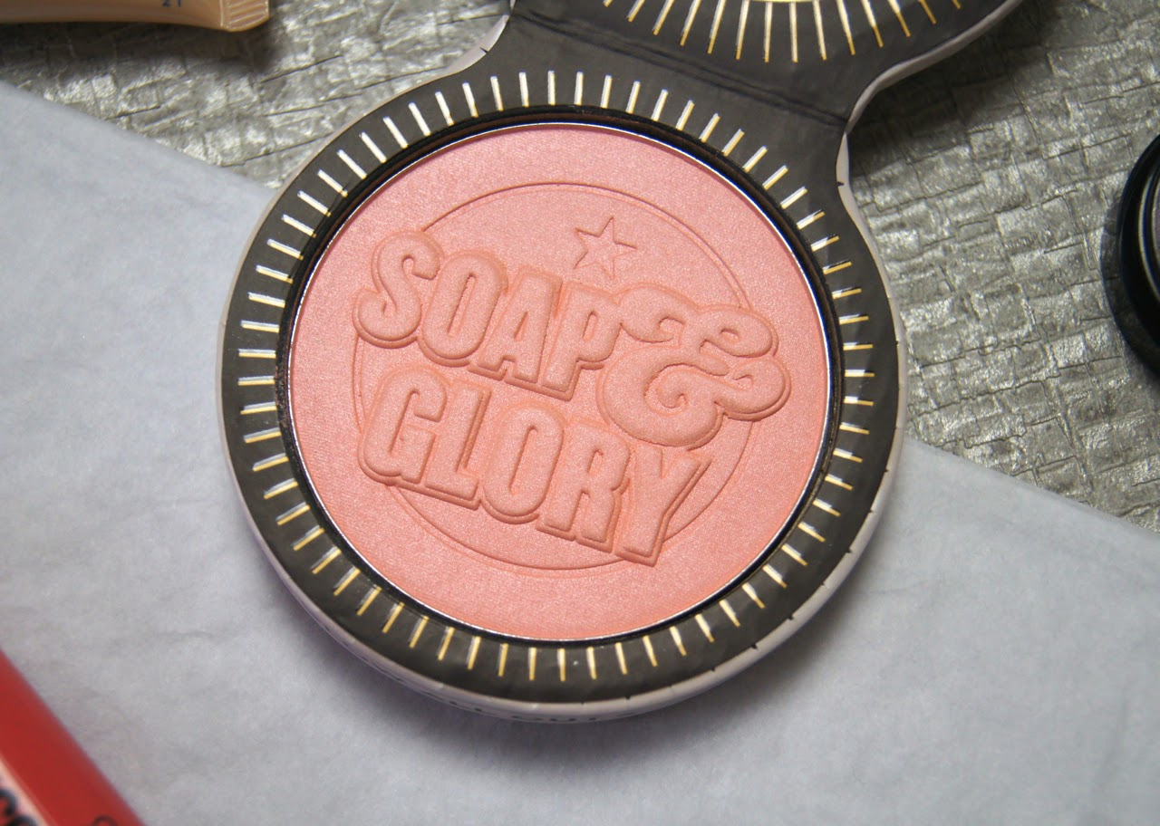 soap and glory glow all out luminizing radiant face powder review
