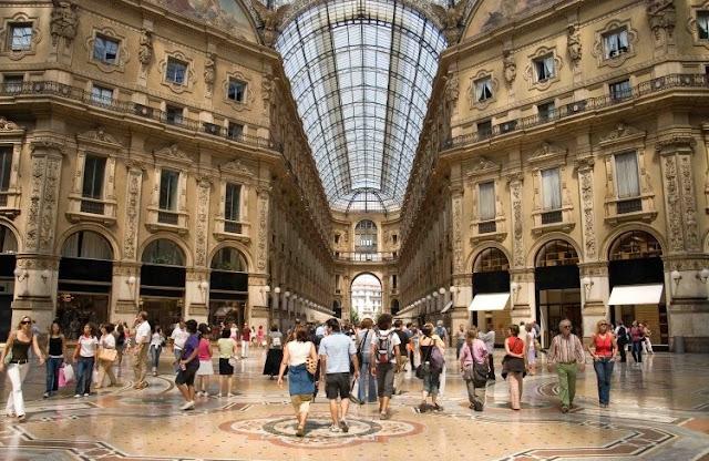 Clássica caminhada privada por Milão
