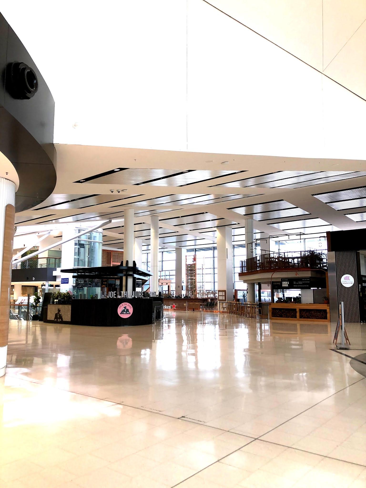 sydney international airport main termin during covid 19