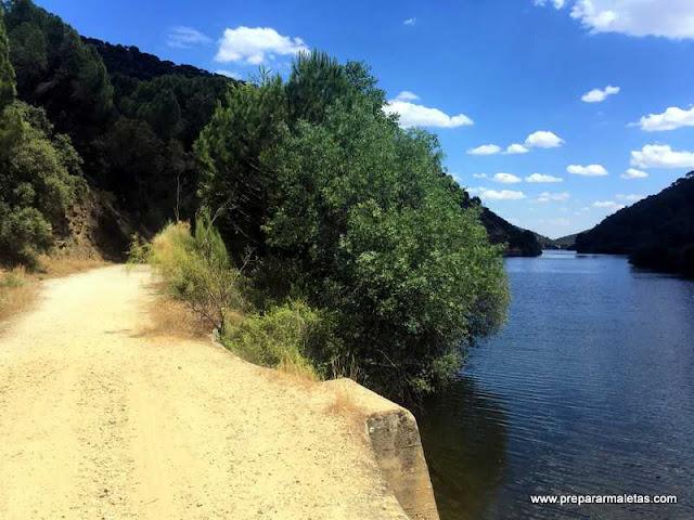 senderismo por Madrid, pantano de San Juan
