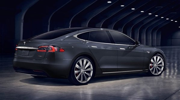 2017 Tesla Model S : New Face and Improved Range