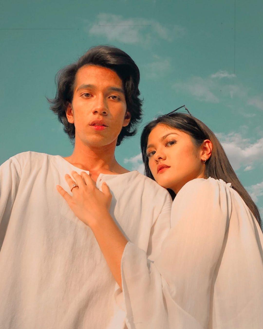 Naim Daniel dan Shasha Abedul