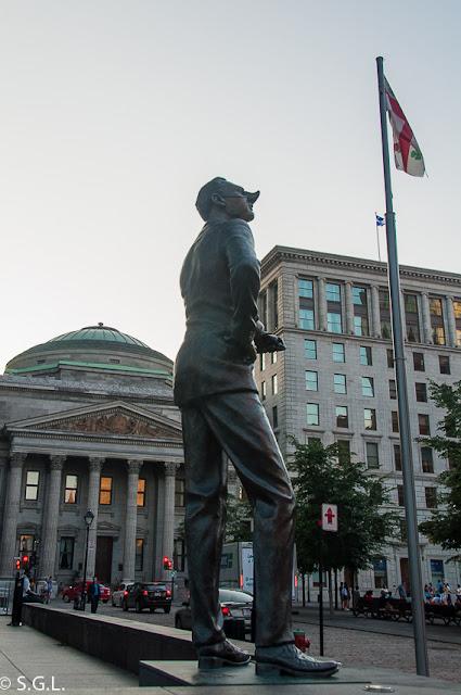 Banque Royal en plaza de armas en Montreal.